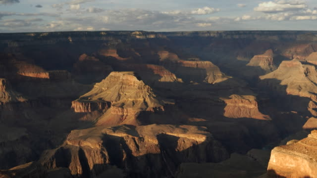 sunset pan of the grand canyon from hopi point