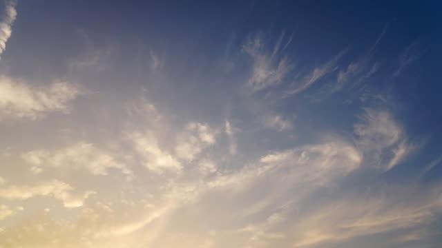 Sunset sky and cloudscape time lapse. - vídeo