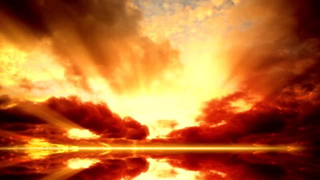 время заката, облаков замедленная съемка - спокойная вода стоковые видео и кадры b-roll