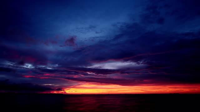 tramonto nuvole di time lapse, - colore saturo video stock e b–roll