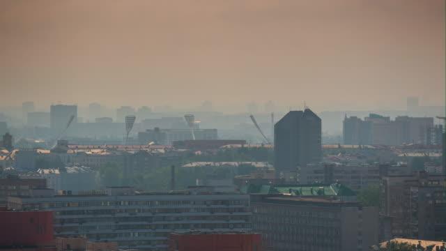 stockvideo's en b-roll-footage met zonsondergang tijd minsk stadsgezicht centraal district dak panorama 4k timelapse wit-rusland - kampioenschap