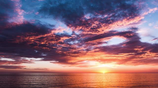 zachód słońca  - ocean spokojny filmów i materiałów b-roll