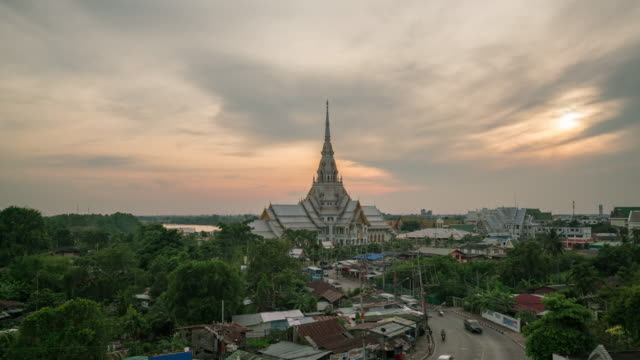 sunset wat sothonwararam is a temple in chachoengsao - wat video stock e b–roll