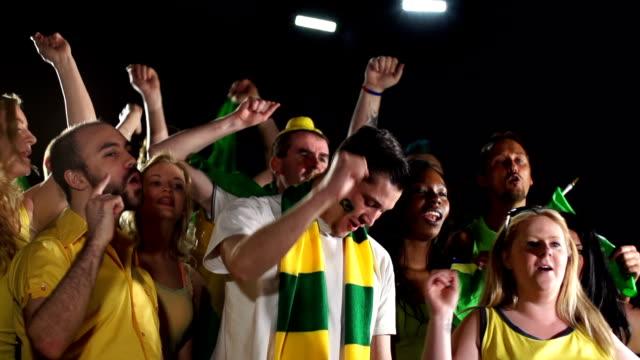 Super câmera lenta HD-Brasil fãs de música/chanting - vídeo