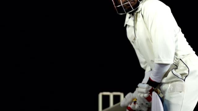 vídeos y material grabado en eventos de stock de super cámara lenta hd-jugador de críquet de jugar una toma (cricket) - críquet