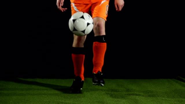 Super cámara lenta, Keepy Uppies fútbol con pelota de fútbol - vídeo