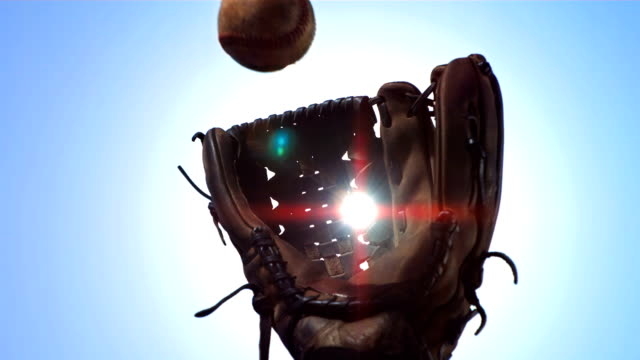 super zeitlupe, hd: baseball-handschuh-ball fangen - fangen stock-videos und b-roll-filmmaterial