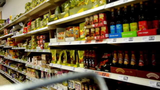 stockvideo's en b-roll-footage met supermarket - supermarket