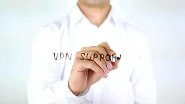 vpn-stöd, man skriver på glas - vpn bildbanksvideor och videomaterial från bakom kulisserna