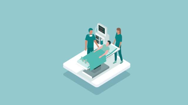 vídeos y material grabado en eventos de stock de satisfacer al paciente en el quirófano del cirujano - cirujano