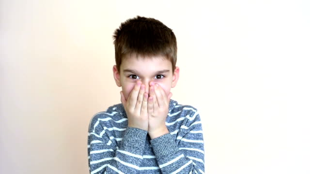 surprised and wondering young boy - solo un bambino maschio video stock e b–roll
