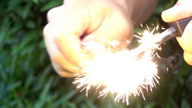 Survival kit, spark Magnesium fire starter SLO MO. video