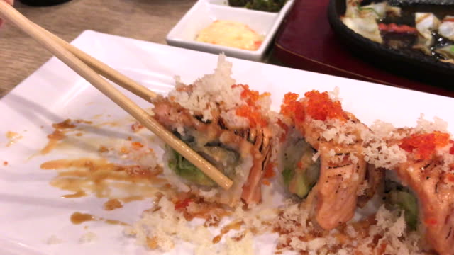 Sushi and maki times, Bangkok family, Thailand with Japanese food video