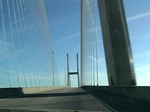 подвесной мост  - элемент здания стоковые видео и кадры b-roll