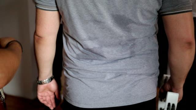 Sweat shirt video