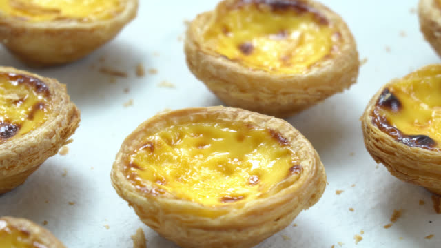 vídeos de stock e filmes b-roll de sweet dessert with tart egg - lisboa