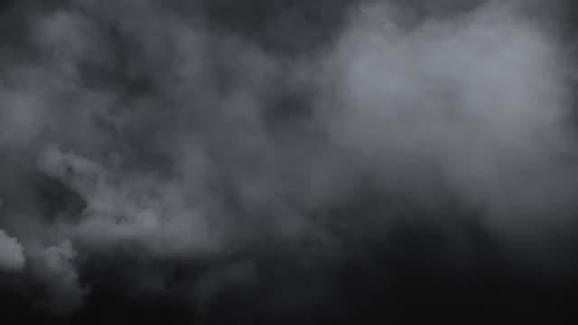 vídeos de stock e filmes b-roll de swirling atmospheric environment smoke - nevoeiro