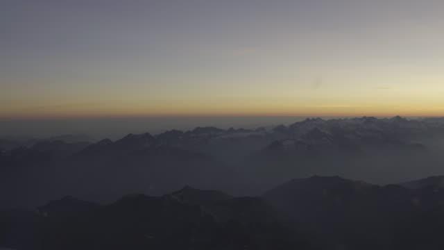 swiss alps cockpit standpunkt - kanton bern stock-videos und b-roll-filmmaterial