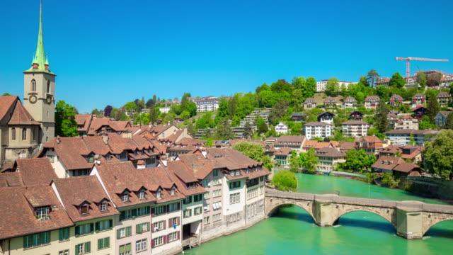 Suisse journée ensoleillée Berne cityscape riverside panorama baie 4k timelapse - Vidéo