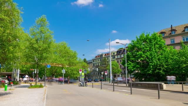 Suisse journée ensoleillée zurich ville trafic carrés panorama 4k timelapse - Vidéo
