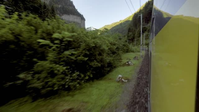 schweiz tåg för transport till resa i wengen - wengen bildbanksvideor och videomaterial från bakom kulisserna