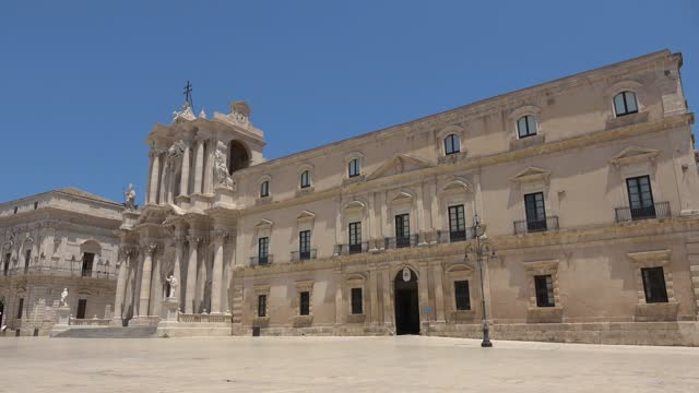 Syracuse, Sicily. Duomo square, cathedral and city hall. Footage 4k