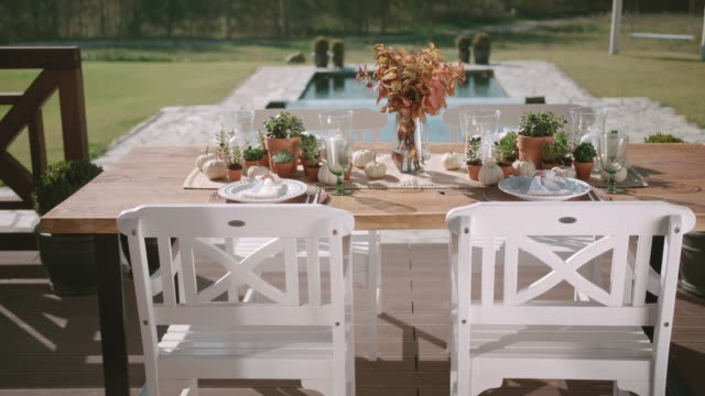 vídeos de stock e filmes b-roll de table decoration - mesa mobília