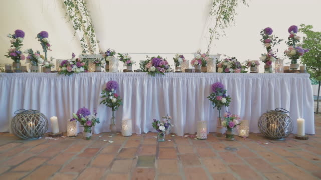 Table party decoration video
