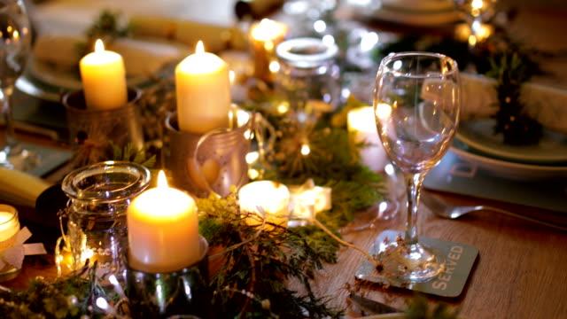 table ready for christmas dinner - christmas table video stock e b–roll