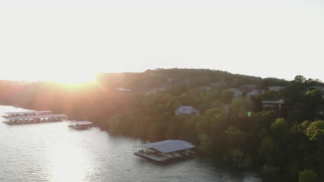 table rock lake aerial views drone 4k pov video missouri usa - missouri стоковые видео и кадры b-roll