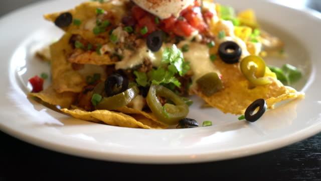 vídeos de stock, filmes e b-roll de tacos - comida mexicana - junk food