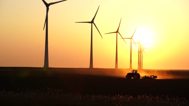 Tactor and wind turbines