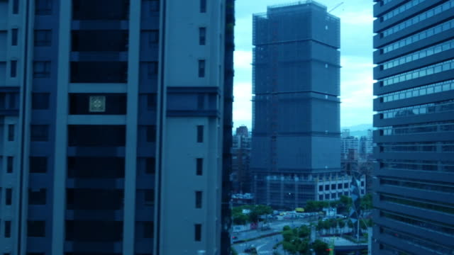 Taiwan urban Skyline , scene frome window from high speed train in morning - vídeo