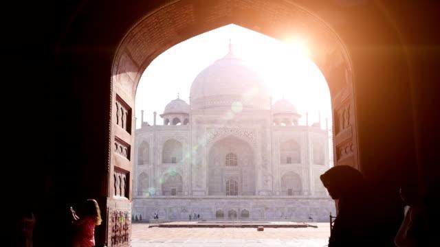 taj mahal - hindistan stok videoları ve detay görüntü çekimi