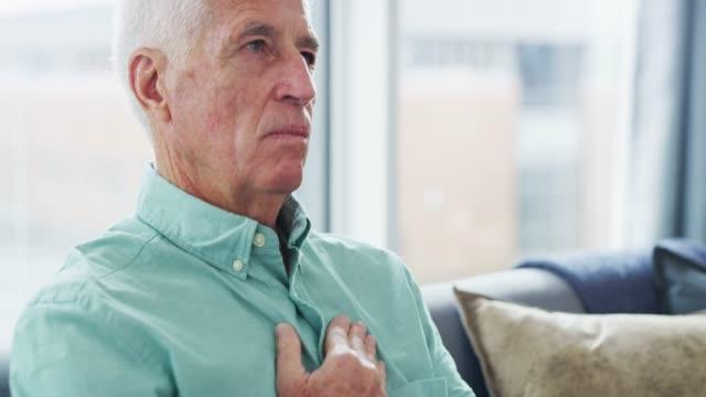 take care of your heart - torace umano video stock e b–roll