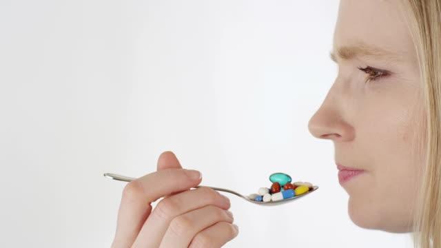 Tabletten schlucken – Video