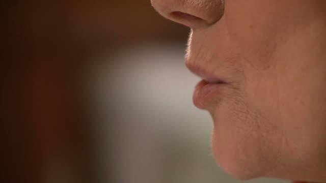 vidéos et rushes de hd : parler - bouche