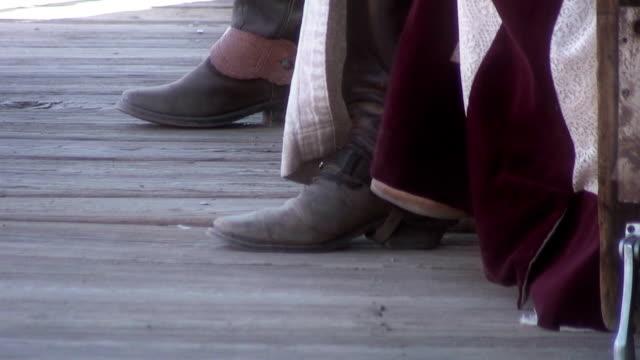 ботинки нарезания резьбы - запад стоковые видео и кадры b-roll