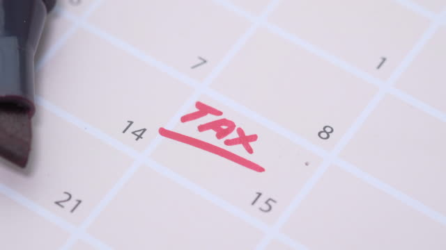 Tax day marked on April 2020 monthly calendar