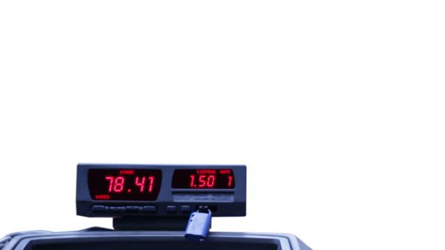taxi metro su bianco - fare video stock e b–roll