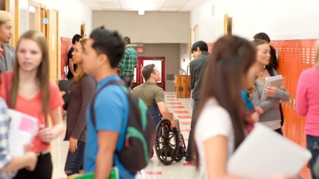 教師車椅子の - 新学期点の映像素材/bロール