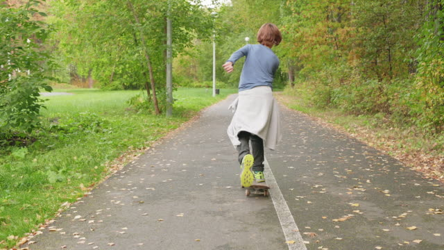 Teenager Skateboard City Park Rider Motion Outdoor - vídeo