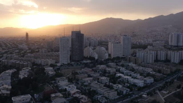 位於日落的德黑蘭 - 德黑蘭 個影片檔及 b 捲影像