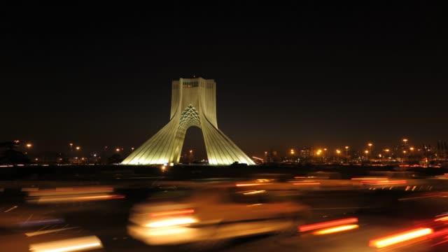 德黑蘭。阿紮迪在延時 - 德黑蘭 個影片檔及 b 捲影像