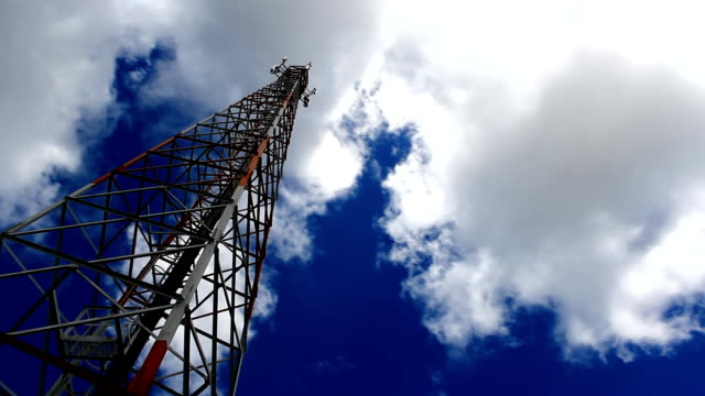telecommunication schiffsmast und sky - niedrig stock-videos und b-roll-filmmaterial