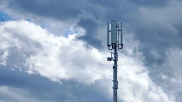 vídeos y material grabado en eventos de stock de torre de telecomunicaciones 5g, timelapse 4k - mástil