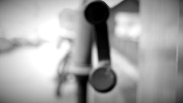 Telephone handset move video