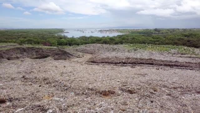 Tempat Pembuangan Akhir (TPA) Suwung - Trash Hill Serangang Bali video