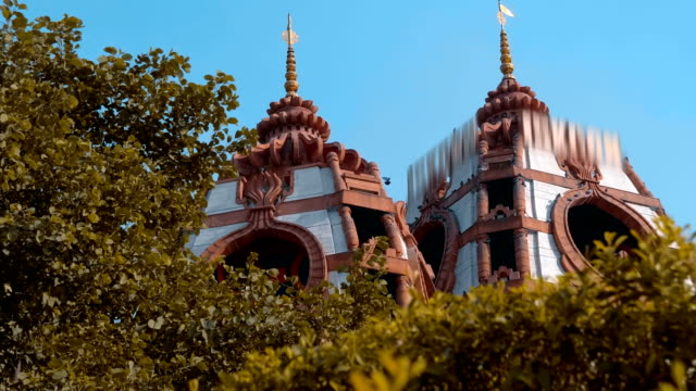 temple complex iskcon of the international society for krishna consciousness - tempio video stock e b–roll