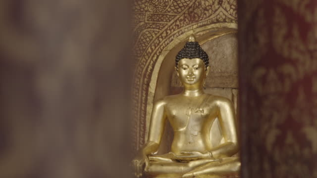 temple in chiang mai - wat video stock e b–roll